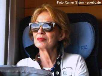 Bahn: Rentner auf Strecke ausgesetzt