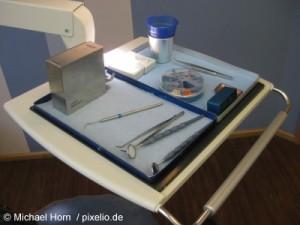Unglaublich: Zahnarzt quält Patient mit Rechnung.
