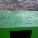 Auch solche Mülltonnen halfen nicht gegen die unzähligen Hundehaufen