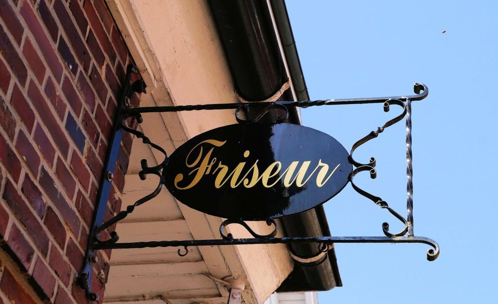Der Friseurladen von Peter Schunz bietet immer Dauertiefpreise